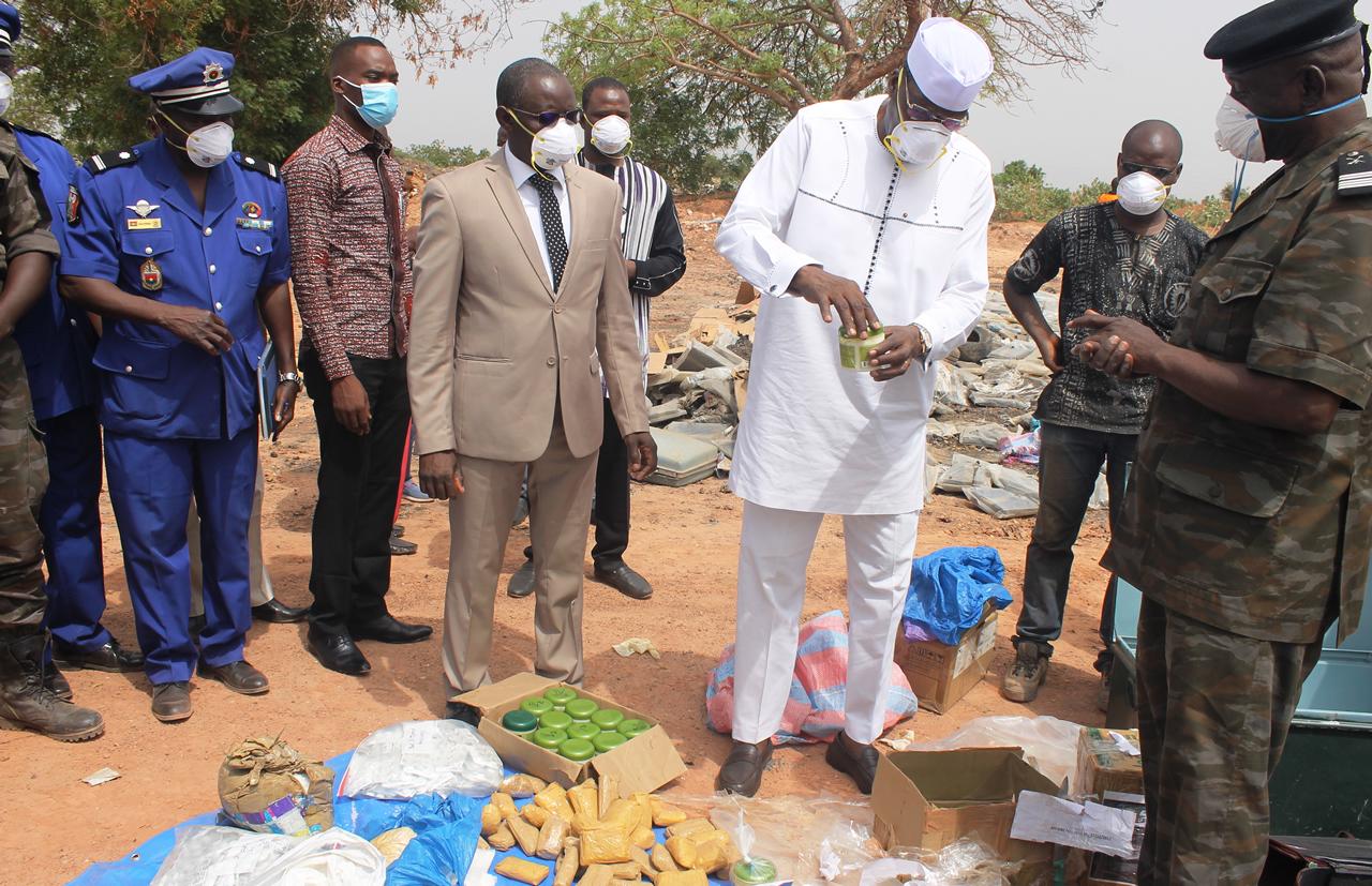 Le Président du CNLD M.Compaoré (en blanc)