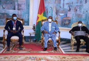 JO: Hugues Fabrice Zango présente sa médaille au président du Faso
